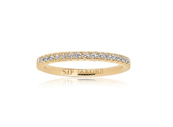 Sif Jakobs ring i 18kt forgyldt sølv med hvide zirkoner