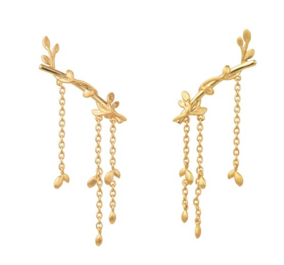 byBiehl Jungle lvy earrings large i 14kt forgyldt sølv. Længde på ørestik: 2,5 cm. Længde på kæde: 3 cm.