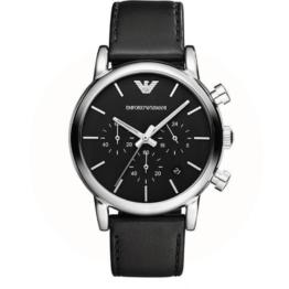 Armani ur – Luigi – med datovisning og stopur. Urets vandtæthed 5ATM / 50 meter. Uret har hærdet mineralglas, stålurkasse, sort læderrem og sort urskive.