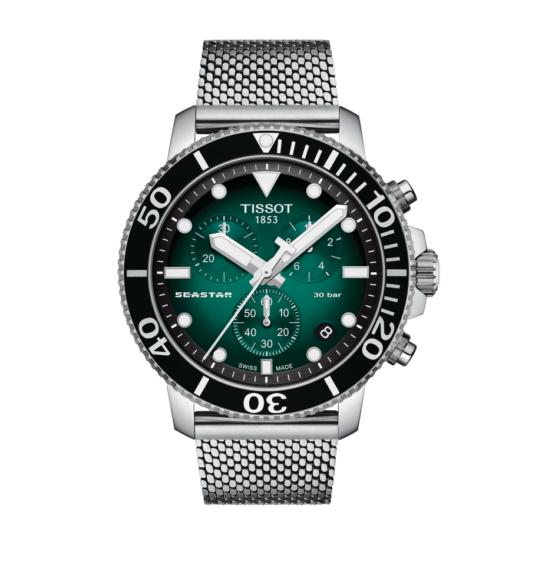 Tissot - Seastar 1000 Chronograph – Urets vandtæthed 30ATM / 300 meter. Uret har safir glas, stålurkasse, stål lænke og grøn urskive.