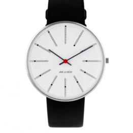 Arne Jacobsen ur – Bankers – Urets vandtæthed 3ATM / 30 meter. Uret har hærdet mineralglas, stålurkasse, læder rem og hvid urskive. 40mm